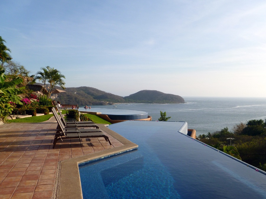 Casa Que Ve Al Mar infinity pools